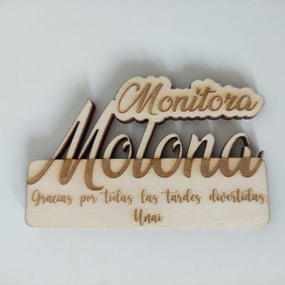 imán madera personalizado regalo fin de curso seños profes maestras maestros personal present