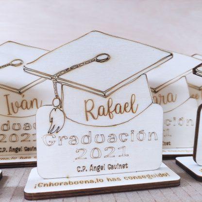 trofeo madera personalizado recuerdo graduación graduados fin de curso personal present